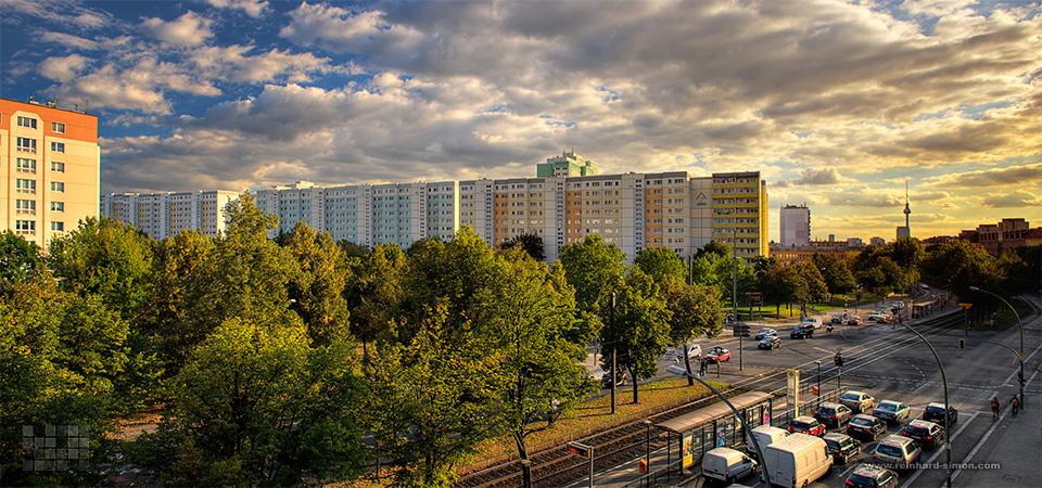 Wohnungsbaugesellschaft Zentrum - Häuser an der Hans-Eiseler Straße in Berlin